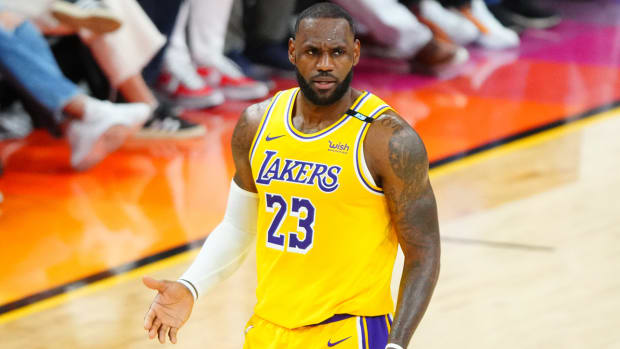 Can LeBron, Lakers avoid elimination vs. Suns in Game 6?