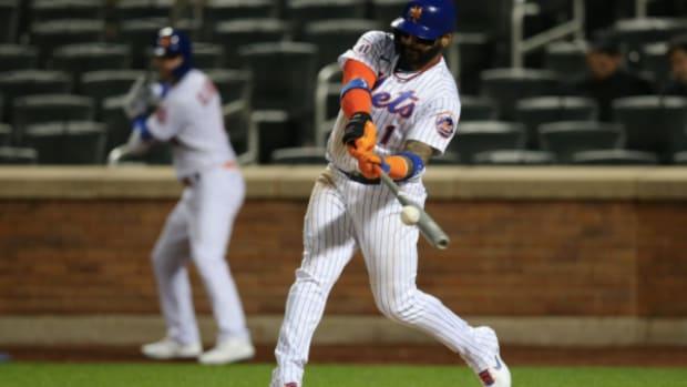 Mets third baseman Jonathan Villar puts his barrel on a ball