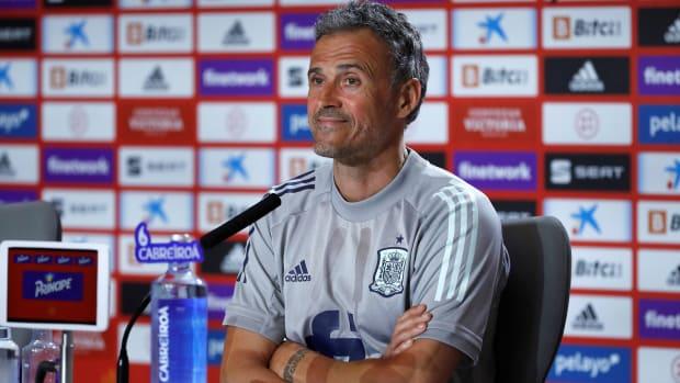 Luis-Enrique-Spain-Midfield