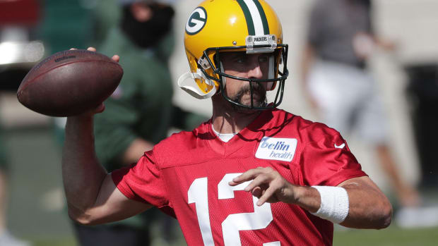 nfl-aaron-rodgers-holdout-everyone-loses