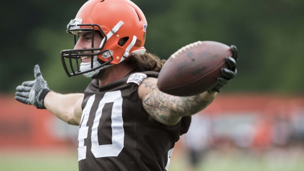 Jun 12, 2018; Berea, OH, USA; Cleveland Browns fullback Danny Vitale (40) celebrates a catch during minicamp at the Cleveland Browns training facility. Mandatory Credit: Ken Blaze-USA TODAY Sports