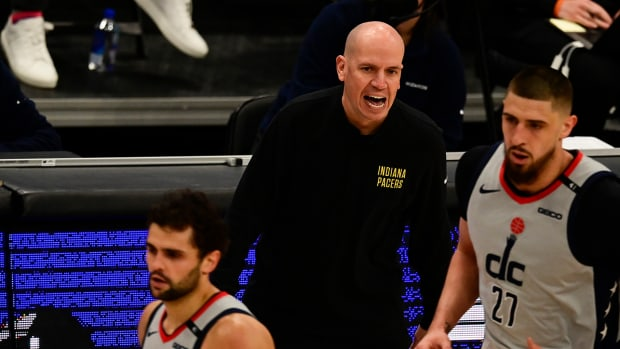 Nate Bjorkgren coaching for the Pacers