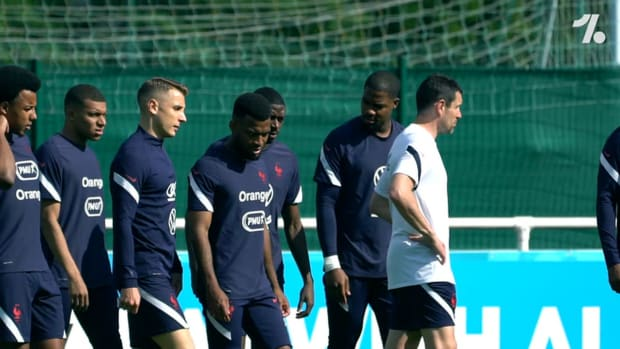 Mbappé and the French team prepare before the clash against Germany