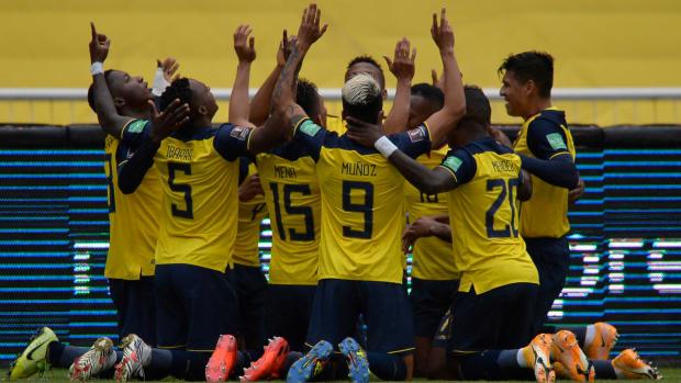Ecuador celebrates against Colombia.