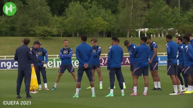 Harry Maguire, Jordan Henderson take part in England training