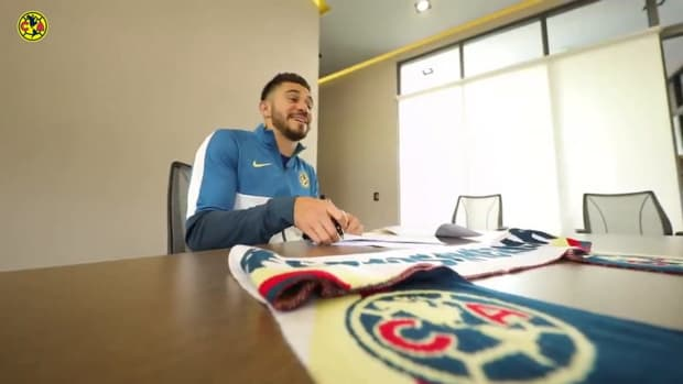 Henry Martín renews his contract with Club América
