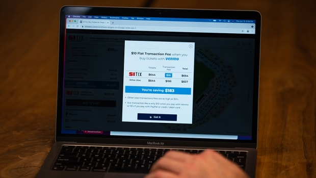 A transaction being made using SI: Tix