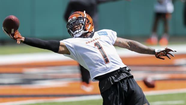 Jun 15, 2021; Cincinnati, Ohio, USA; Cincinnati Bengals wide receiver Ja Marr Chase (1) catches a pass during minicamp at Paul Brown Stadium. Mandatory Credit: Katie Stratman-USA TODAY Sports