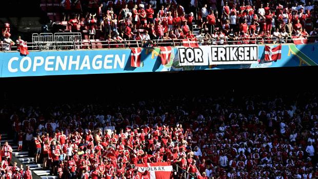 Christian-Eriksen-Denmark-Fans