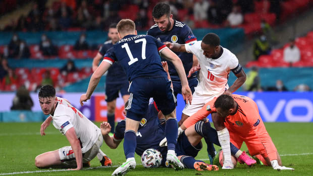 England and Scotland played to a 0-0 draw at the Euros