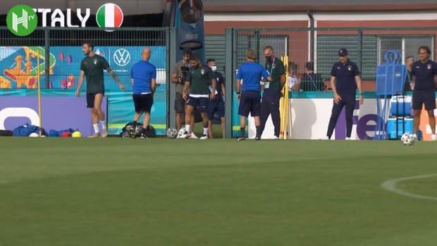 Italy train ahead of Wales clash