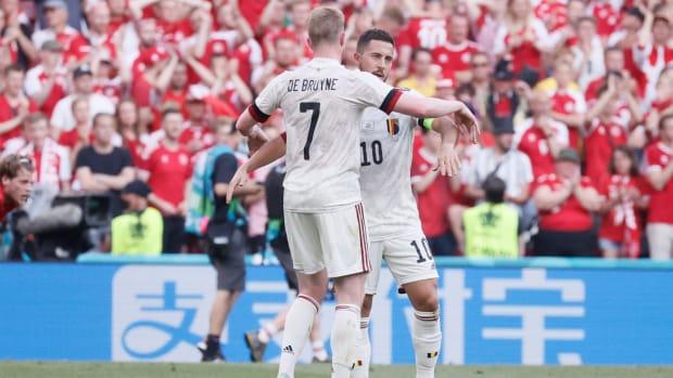 Kevin De Bruyne with Eden Hazard.