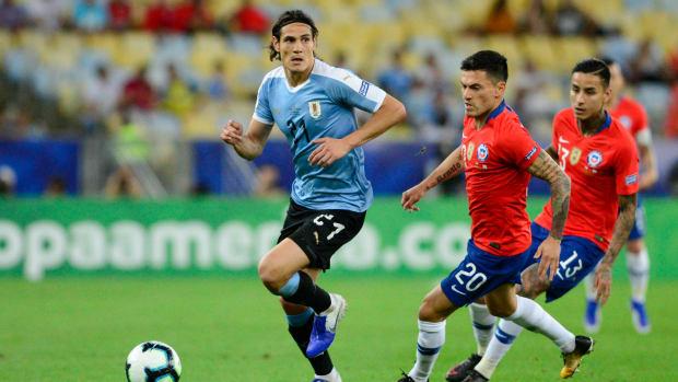 Edinson Cavani against Chile.
