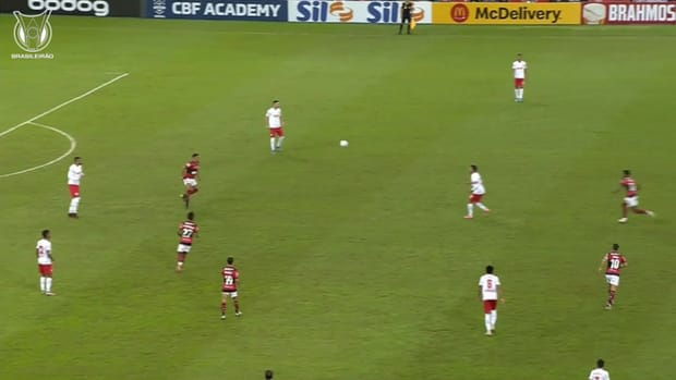 Cleiton's incredible save secures Red Bull Bragantino win vs Flamengo