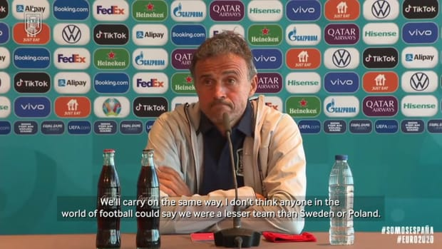 Luis Enrique: 'My contract runs until the World Cup and I want to fulfil it'