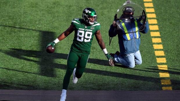 Jets TE Chris Herndon celebrates touchdown