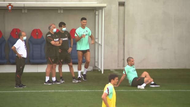 Cristiano Ronaldo pranks Pepe by pouring cold water on his head