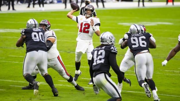 Tom Brady versus Raiders