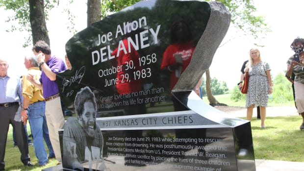 A new monument dedicated Saturday at Chennault Park will help ensure Joe Delaney's life and sacrifice are never forgotten. On June 29, 1983, Delaney jumped into a pond in an attempt to save drowning children. Delaney, a rising star for the Kansas City Chiefs, drowned along with two children. © Michelle Tripp/The News-Star via Imagn Content Services, LLC