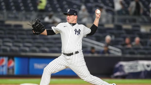 Yankees RP Justin Wilson pitching in pinstripes