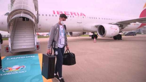 Spain squad touches down on London ahead of Italy showdown