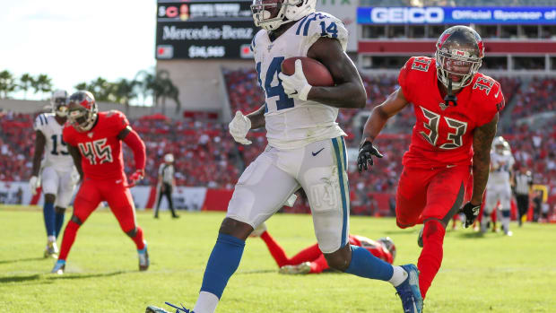 Indianapolis Colts wide receiver Zach Pascal (14) makes his way into the end zone against the Tampa Bay Buccaneers at Raymond James Stadium in Tampa, Fla., on Sunday, Dec. 8, 2019. Indianapolis Colts Vs Tampa Bay Buccaneers Photos By Indystar