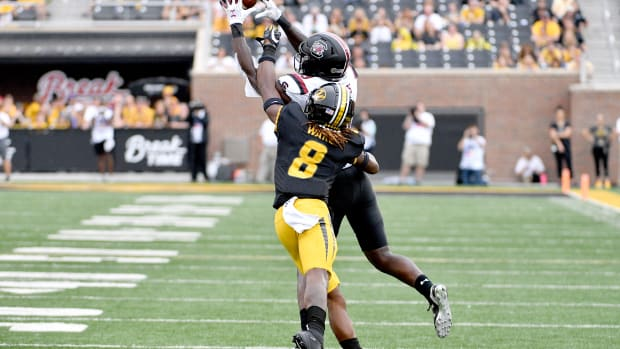Jarvis Ware Breaking on the Football
