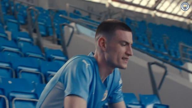 Manchester City unveil 2021-22 home kit