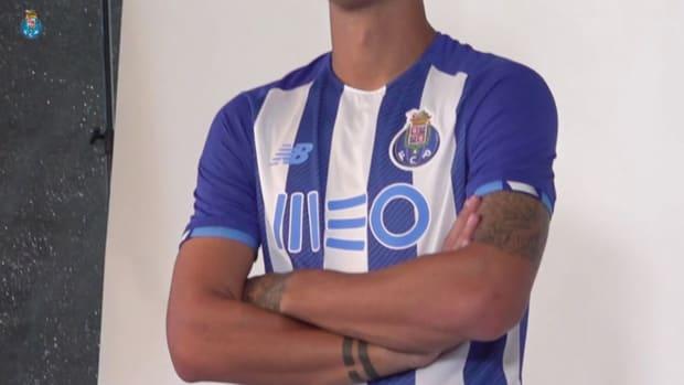 Behind the scenes: FC Porto's 2021-22 photoshoot