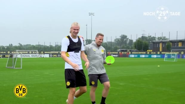 Erling Haaland finally back in Dortmund training