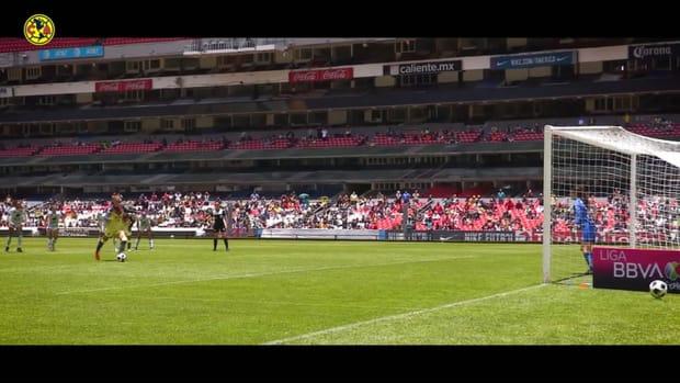 Pitchside: Janelly Farías's penalty goal vs Santos