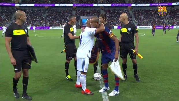 Highlights: Barcelona Legends 2-3 Real Madrid Leyendas