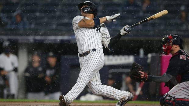 Yankees SS Gleyber Torres hits home run