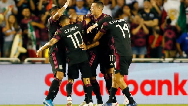 Mexico celebrates Chaka's goal.
