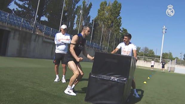 Luka Modrić, Toni Kroos, Raphaël Varane, David Alaba and Gareth Bale back in training