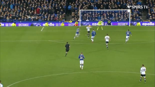Toby Alderweireld's incredible passing range at Spurs