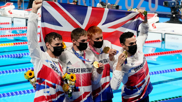 great-britain-wins-relay