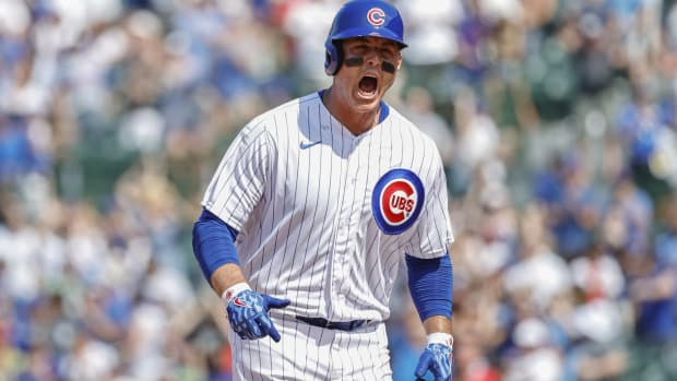 Cubs 1B Anthony Rizzo celebrates home run