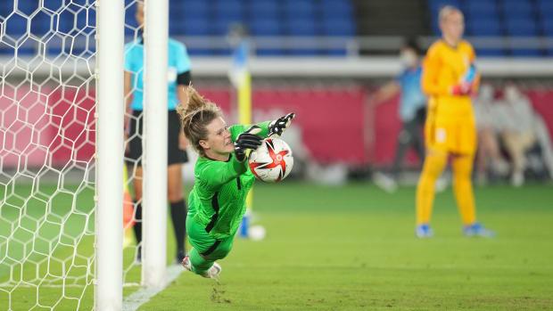 USWNT's Alyssa Naeher makes a penalty kick save vs. the Netherlands