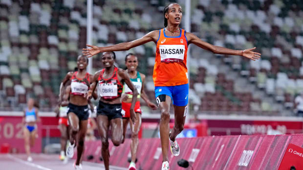 Sifan Hassan wins the women's 5,000 meters at the Tokyo Olympics ahead of Kenya's Hellen Obiri.