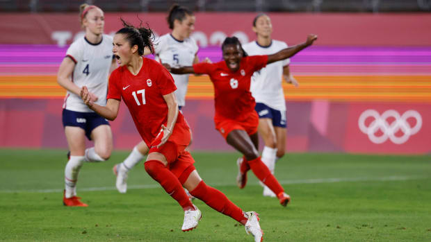 Jessie Fleming scores for Canada vs. the USA in the Olympics