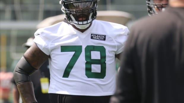 Jets offensive lineman Morgan Moses