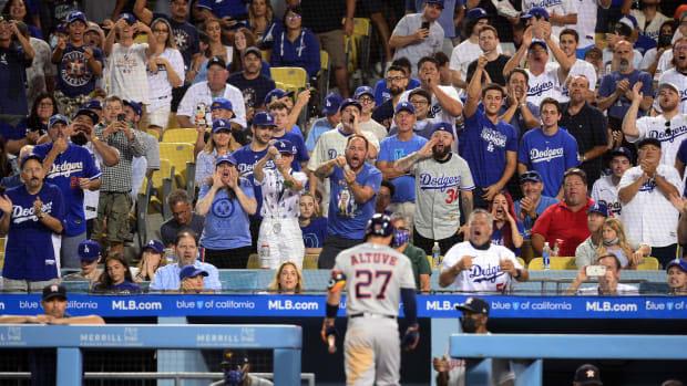 Dodgers fans heckle Jose Altuve