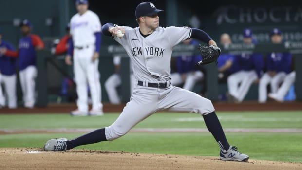 Yankees SP Corey Kluber pitching