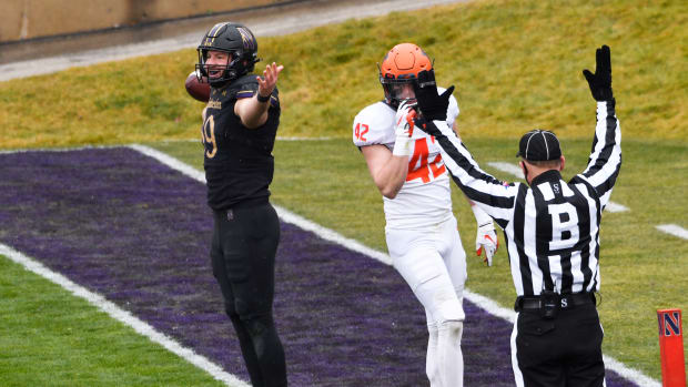 Northwestern Wildcats tight end Charlie Mangieri (89) catches a touchdown pass against the Illinois Fighting Illini during the first half at Ryan Field. David Banks-USA TODAY Sports
