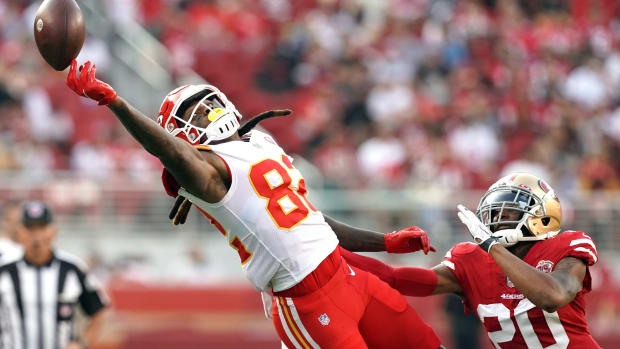 Aug 14, 2021; Santa Clara, California, USA; Kansas City Chiefs wide receiver Daurice Fountain (82) fails to catch a pass while being defended by San Francisco 49ers cornerback Ambry Thomas (20) during the second quarter at Levi's Stadium. Mandatory Credit: Darren Yamashita-USA TODAY Sports