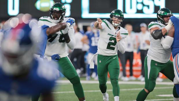 Jets QB Zach Wilson throws pass in preseason
