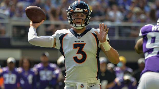 Denver Broncos quarterback Drew Lock (3) throws a pass against the Minnesota Vikings during the first quarter at U.S. Bank Stadium.