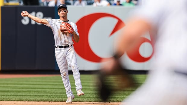 Yankees SS Andrew Velazquez makes play on defense