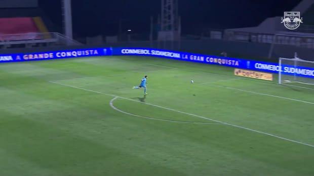 Artur's stunning long-range goal vs Rosario Central